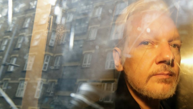 Swedish court rejects effort to delay Assange hearing