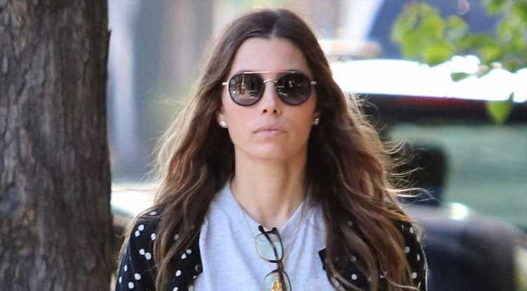 Jessica Biel Bares Her Midriff for Day Out in L.A.